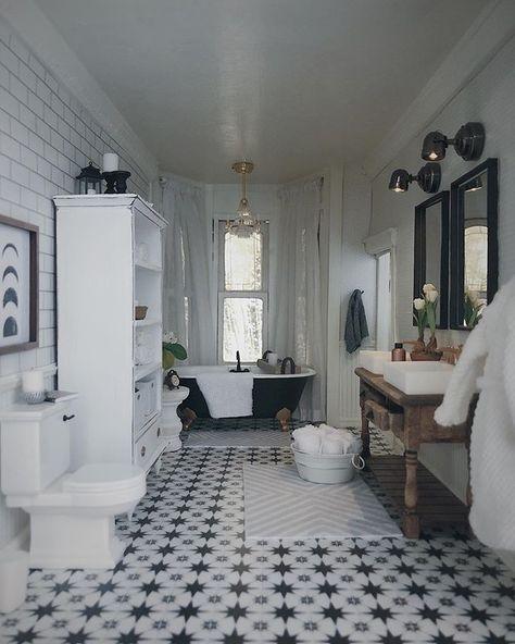 Dolls House Miniature 1:12th Scale Bathroom Accessory Dark Wooden Towel Rail