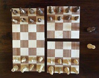 El Castle Un Tablero De Ajedrez De 4 Piezas En Nogal Y Arce Etsy In 2020 Chess Board