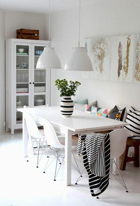 jolie salle a manger contemporaine complete avec murs blancs et table en boi dcoration salle manger pinterest - Salle A Manger Contemporaine Complete