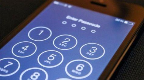 Come fregare Siri per farsi portare all'interno di un iPhone bloccato