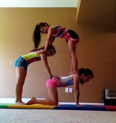 Resultado De Imagen Para 4 Person Acro Pose Acro Yoga Poses Three Person Yoga Poses Yoga Challenge Poses