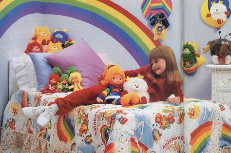 kids I had Rainbow Bright,Strawberry Short Cake and My Little Pony 1980s Childhood, My Childhood Memories, Sweet Memories, 1980s Kids, 1980s Art, Best 90s Cartoons, Right In The Childhood, Rainbow Brite, British History
