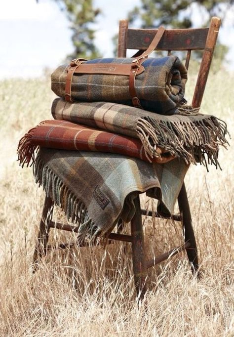 Rustic Pendleton Plaids- What Central Oregon home is complete without at least one Pendleton blanket? Rustic Pendleton Plaids- What Central Oregon home is complete without at least one Pendleton blanket? What A Nice Day, Pendleton Woolen Mills, Pendleton Blankets, Rustic Blankets, Country Blankets, Warm Blankets, Throw Blankets, Knitted Blankets, Autumn Home