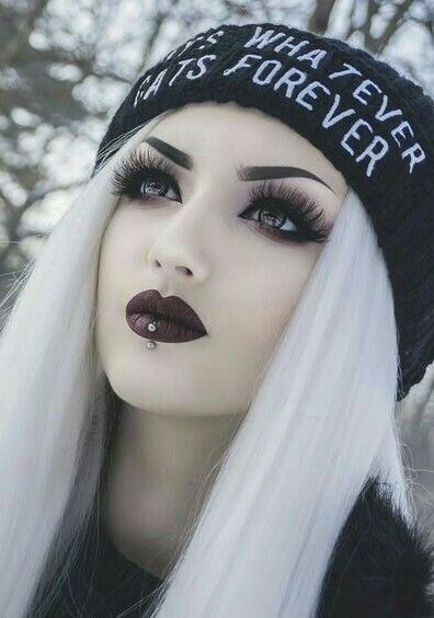 She S So Beautiful Gothic Makeup Goth Beauty Goth Makeup