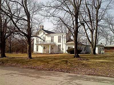 A 1800s Hotel In Indiana Now Home Being Sold For 149 000 I Love Old Buildings With History 508 W Main St Knightstown 46148 Homefi
