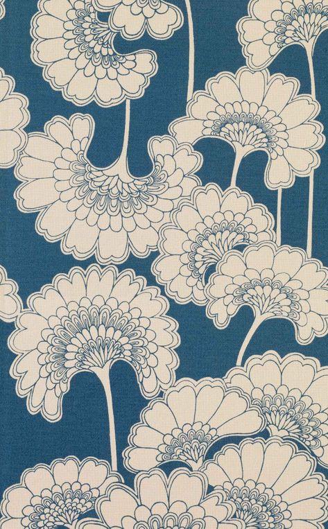 Florence Broadhurst Japanese Floral wallpaper - Home Decor Japanese Textiles, Japanese Patterns, Japanese Art, Graphic Patterns, Textile Patterns, Print Patterns, Textile Design, Fabric Design, Surface Pattern Design