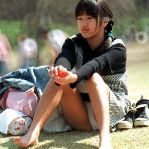女子小学生 パンチラ