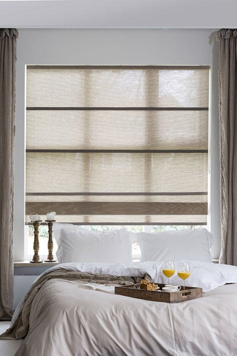 Our Folds, roman blinds made from woven paper, match perfectly with curtains!  Prachtig deze vouwgordijnen van geweven papier in combinatie met gordijnen!