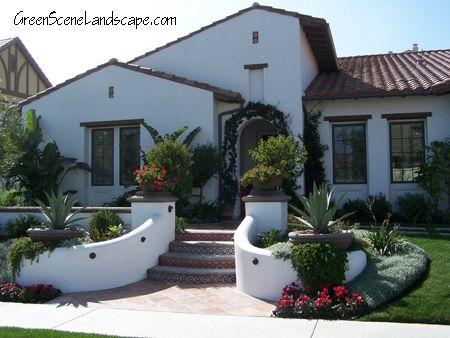 Mediterranean Style Front Yard