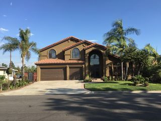 Green Two Story Home In Downey Vacation Rental House Rental House