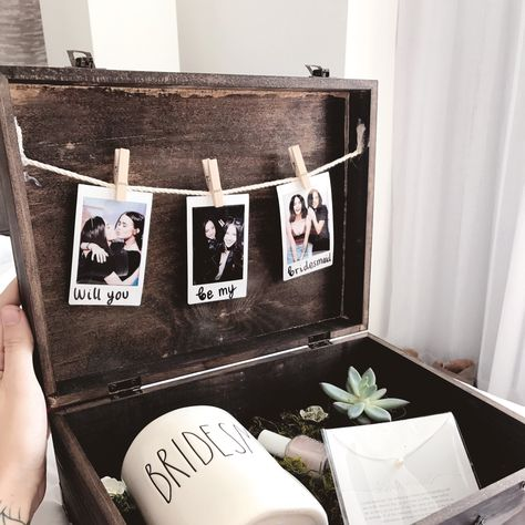 """""""A peek into my bridesmaid boxes for my girls! I wish I made myself one just for fun 😂😍😍😍😍"""""""