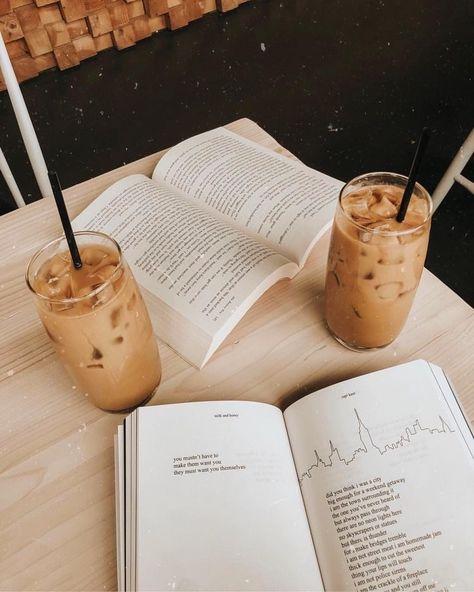 coffee and books study Coffee Date, Coffee Break, Iced Coffee, Coffee Drinks, Coffee Shop, Coffee Club, Starbucks Coffee, Morning Coffee, Book And Coffee