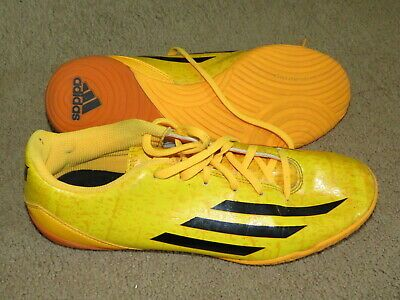 Advertisement Ebay Super Adidas Messi F10 Yellow Gold Indoor Soccer Shoes Mens 8 5 8 1 2 Adidas Indoor Soccer Shoes Soccer Shoes Youth Soccer Cleats