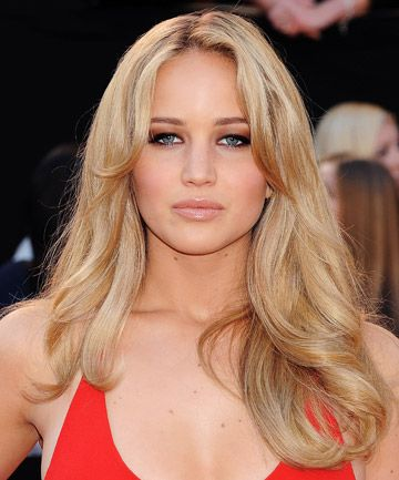 15 Times We Wished We Had Jennifer Lawrence Hair Jennifer Lawrence Hair Blonde Hair Red Dress Jennifer Lawrence Red Dress
