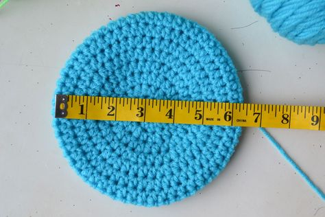 Hat sizing chart  Age (Diameter of circle)  Newborn (4 in)  3-6 months (5.5 in)  9-12 months (6-6.5 in)  24months (6.5-6.75in)  Toddler/Sm Child (7-7.5in)  Adult Woman (8in)  Age (Finished Length)  Newborn (5in)  3-6months (6-6.5in)  9-12 months (7in)  24months (7-7.5in)  Toddler/Sm Child (8-8.5in)  Adult Woman(8.5-9in)  Large Adult (10in)
