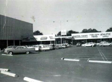 Westgate Village Shopping Center (Toledo, OH)