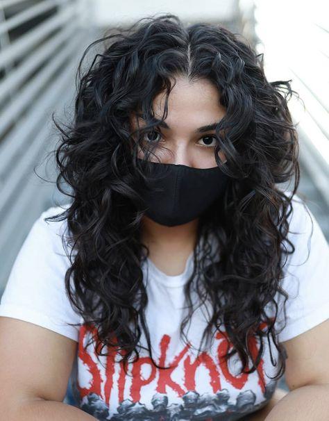 Curly Shag Haircut, Haircuts For Curly Hair, Curly Hair Tips, Short Wavy Curly Hair, Medium Curly Haircuts, Shaggy Haircuts, Curly Hair Cuts Medium, Shag Hair Cut, Bangs Curly Hair