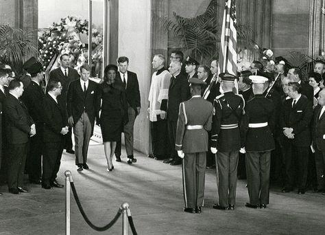 11/25/63: Bobby, Jackie and Teddy walk into the Rotunda, preceding JFK's funeral.