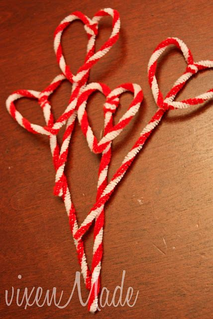 Pipe Cleaner Valentine Bookmarks from vixen made