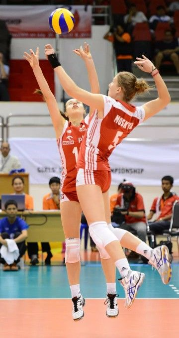 Nowadays More And More People Like Volleyball And Often See Girls Playing Volleyball In The Gym Why Do Women S Vol Women Volleyball Player Clothes Volleyball