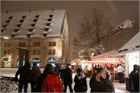 Christkindelmarkt in Nürnberg – Teil 2 – am Abend mit Schnee