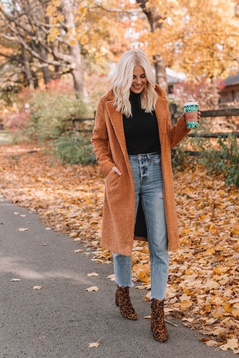 Longline Teddy Coat — Lemon Blonde 19 Affordable Jackets and Coats for Fall Style a comfy tee with a cozy, chunky cardigan! Fall Outfit Inspo 20 Stylish Outfits To Try This Year - Fashion Trend 2019 Turtleneck sweater Winter Outfits For Teen Girls, Cute Fall Outfits, Fall Winter Outfits, Autumn Winter Fashion, Cool Outfits, Casual Outfits, Winter Clothes, Winter Style, Fall Outfit Ideas
