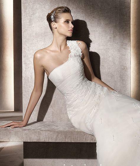 A-line One Shoulder Sleeveless Organza Wedding Dress