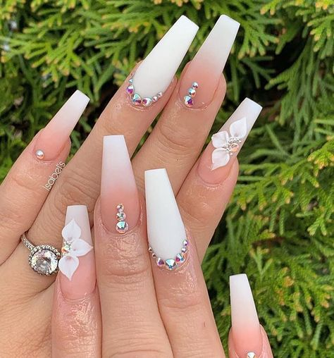 60 Bling Acrylic Coffin Nails Design With Rhinestones – – Long Nails – Long Nail Art Designs White Acrylic Nails, Best Acrylic Nails, Summer Acrylic Nails, Matte Nails, Spring Nails, Winter Nails, Acrylic Art, Diy Nails, Cute Acrylic Nail Designs