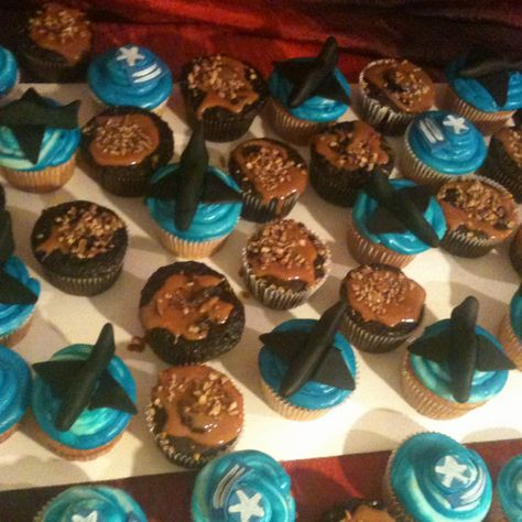 Going away to the Air Force cupcakes.
