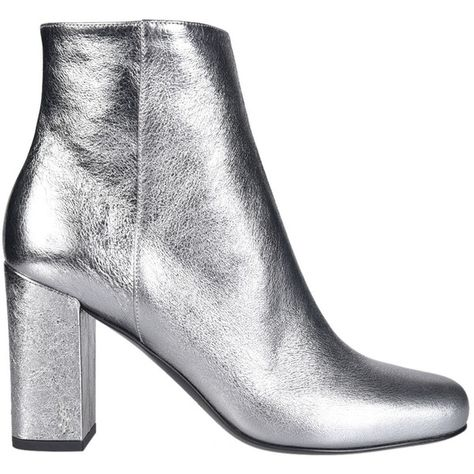 Saint Laurent Metallic Ankle Boots (32,435 DOP) ❤ liked on Polyvore featuring shoes, boots, ankle booties, silver, silver boots, bootie boots, short boots, cat booties and silver booties