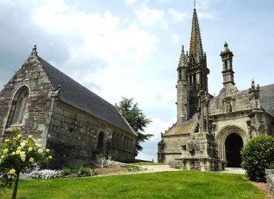 Brasparts Circuit Des Enclos Paroissiaux Du Pays De Landivisiau Routes Touristiques Dans Le Finistere Guide Du Tourisme E Eglise Eglise Notre Dame Calvaire