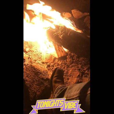 What summer will consist of. Bonfires and great  What summer will consist of. Bonfires and great company  #summer #bonfirenight #summervibes #bonfireparty #cowboyboots #memories #drinks #drinkswithfriends #bonfirenight #drinkswithaview #summerphotos #memorable #summerfeeling #countryliving #cowboybootsfordays #summerfun #familyfun #nightslikethis #nightselfie #potd