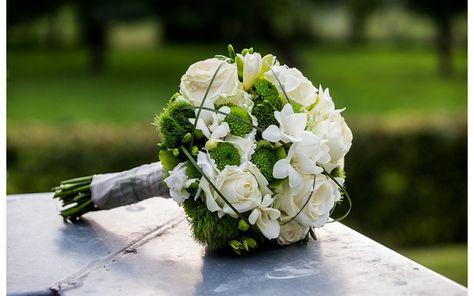 Brautstrauß weiß-grün   Claudia Pelny Fotografie, Hochzeitsfotografie