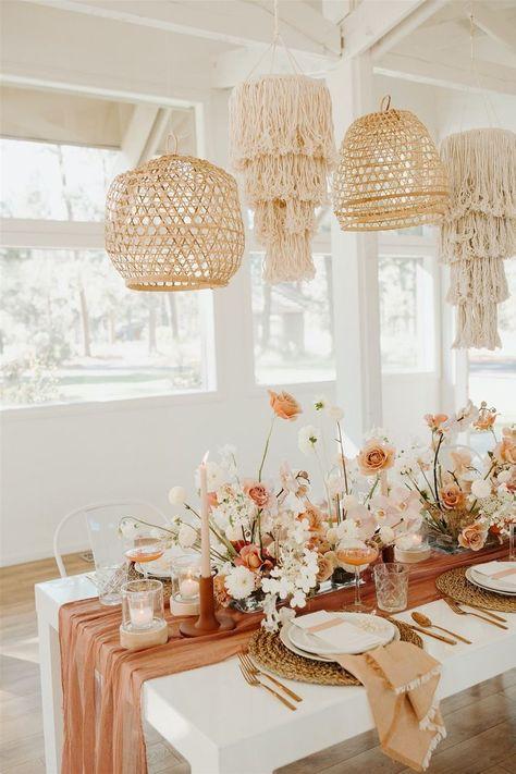 Wedding Table Settings, Table Set Up Wedding, Table Decor Wedding, Wedding Table Arrangements, Floral Arrangements, Chic Wedding, Dream Wedding, Modern Wedding Flowers, Bodas Boho Chic