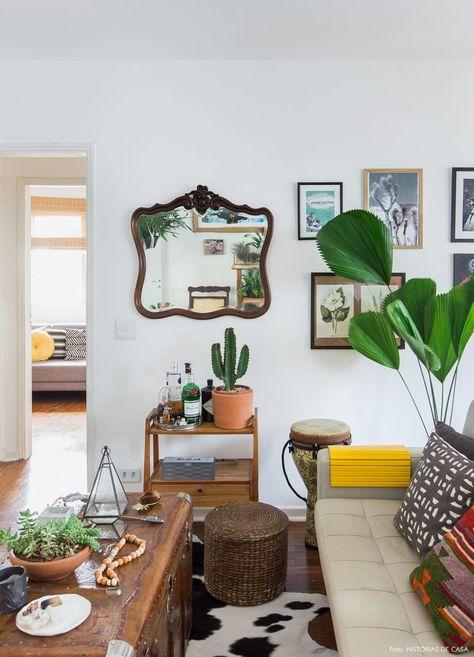 Apartamento cheio de plantas e flores