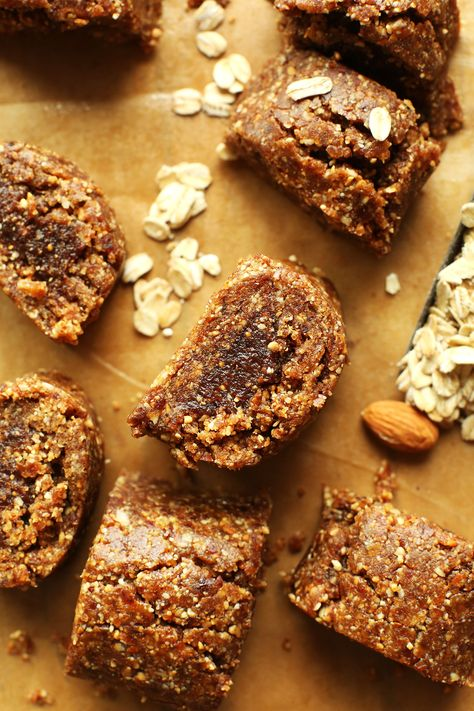 8-ingredient AMAZING Easy, Healthy Fig Newtons made with dates, nuts, oats, and figs! SO easy and DELICIOUS! #vegan #glutenfree #fignewton #cookie #recipe #minimalistbaker