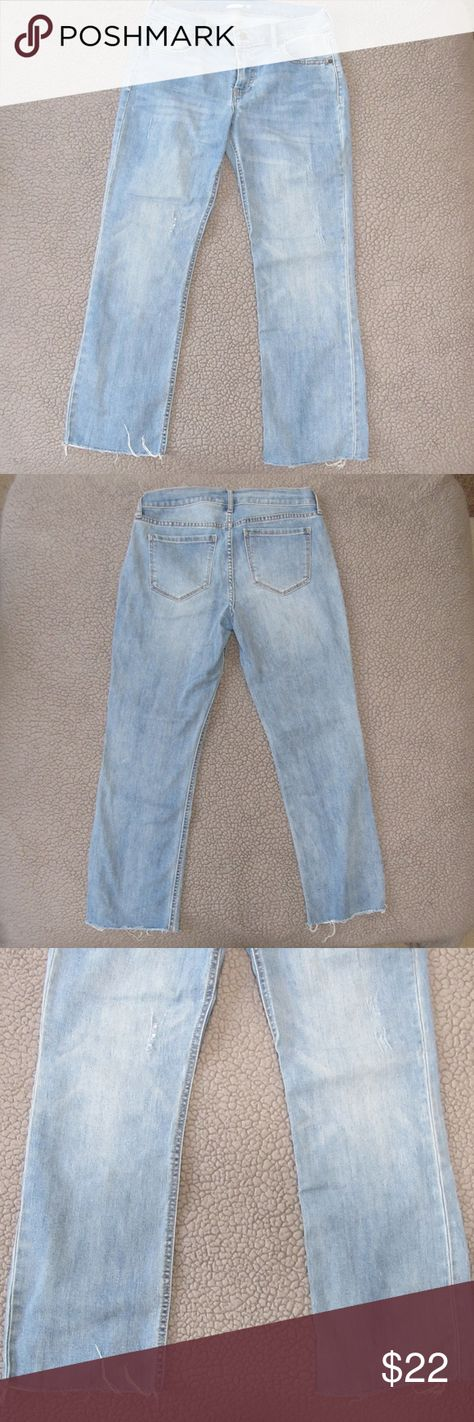 """Old Navy Cropped Raw-Edged Flare Ankle Jeans Women's Cropped Flare Ankle Jean 