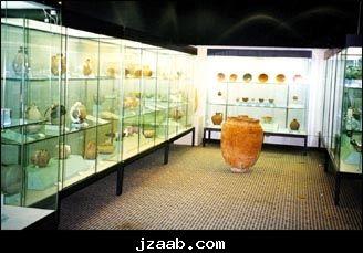 دليل لايفوتك متحف الآثار جامعة الملك سعود يتواجد بمدينة الرياض جامعة الملك سعود يتبع كلية السياحة والآثار يهتم بإلقاء Decor Home Decor Room Divider