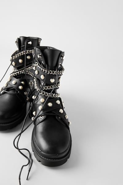 Zara Black Leather Ankle Boots With Slogan on Lace Size 39,42