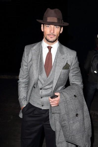 Gorra fashion en tonos grises para hombre y mujer.