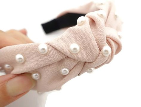 thin fabric front knot pearl decorated fashion headband Spring stylish hairband accessories for women #PearlHeadband #WomanHeadband #CasualHairband #veryshine #FashionHeadwrap #StylishHeadband #PearlHairband #FashionHeadband #TweedHairband #WomenHeadband