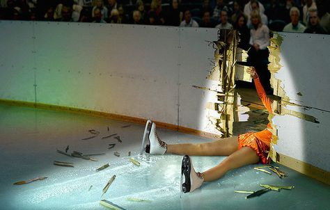 13 Embarrassing Moments in Ice Skating - ice skating pictures - Oddee