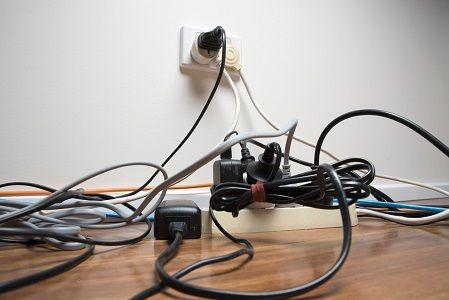 Comment Cacher Des Cables Electriques Disgracieux Comment Cacher Les Fils Electriques Cache Fil Electrique Cacher Fils