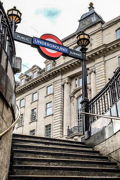London Landmarks 17 Iconic Places You Have to See in London : Piccadilly Circus London Underground Train, London Underground Stations, Underground Map, London Attractions, London Landmarks, Famous Landmarks, Piccadilly Circus, London Fotografie, London Blog