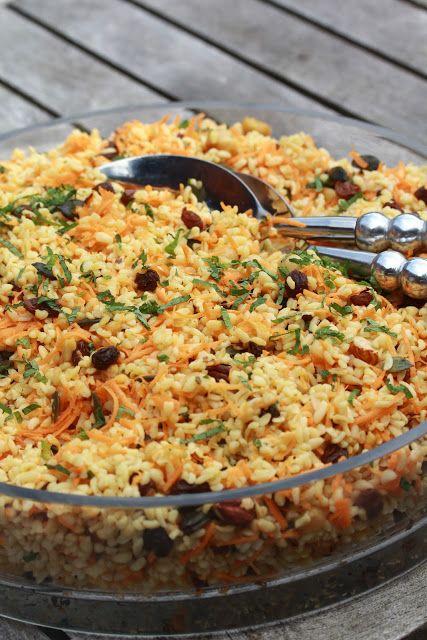 Salade de boulgour aux carottes, à la menthe , aux raisins secs , aux noisettes et graines de courge