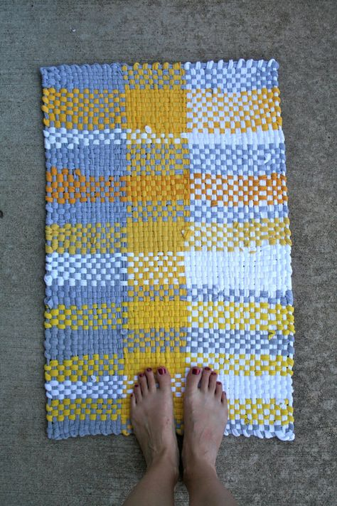 <3 rag rug from recycled T-shirts