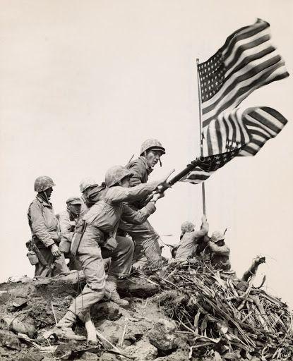 Flag Raising At Iwo Jima Installing Large Flag On Mt Suribachi In 2020 Iwo Jima Battle Of Iwo Jima Iwo