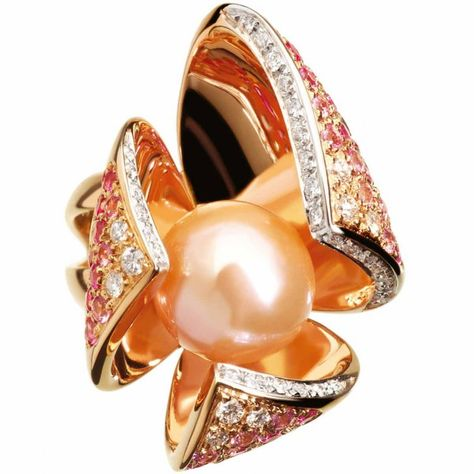 Fior di loto ring in gold with pink pearl, diamonds and sapphires by IoSì