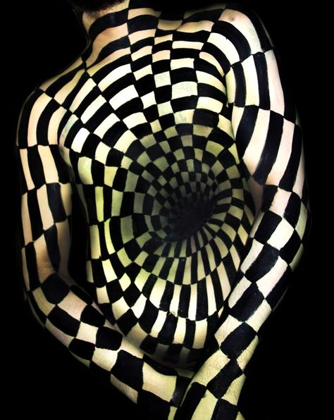 ILLUSION #3 (White) / Optical Illusion Body painting by Natalie Fletcher