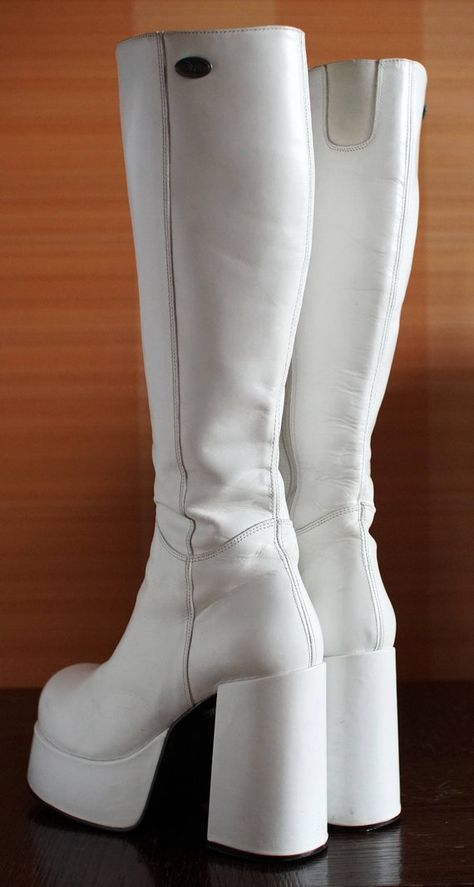 New Boots Grunge Ideas Pretty Shoes, Cute Shoes, Me Too Shoes, Funky Shoes, Crazy Shoes, White Gogo Boots, White Thigh High Boots, Top Shoes, Shoes Heels